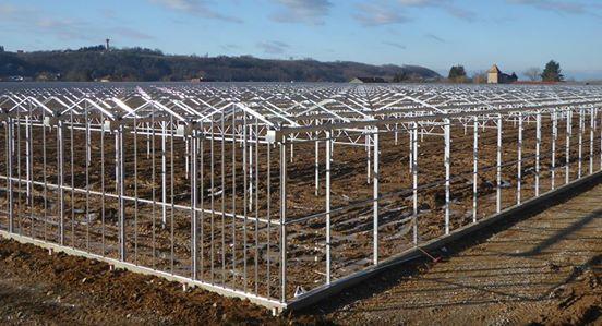 Chantier serres photovoltaïques